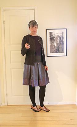 Thanks upp kjolen mzanzi svart skolflicka seems