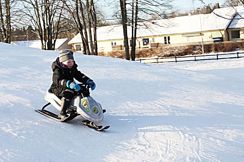 Walle åker snowracer för första gången